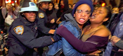 Occupy Wall Street activists are forcibly removed by New York City Police from Liberty Plaza, 11/15/11. (photo: Lucas Jackson/Reuters)