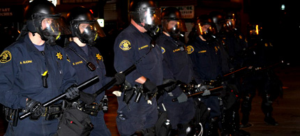 Members of the Oakland Police Department, which is facing a lawsuit for using excessive force against Occupy Oakland protesters, 11/02/11. (photo: Soozarty1/Flickr)
