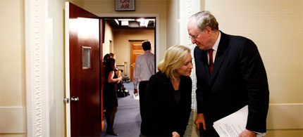 Senators Kirsten Gillibrand and John D. Rockefeller IV, both Democrats, prepare to announce the auctioning of public airwaves. (photo: Luke Sharrett/NYT)