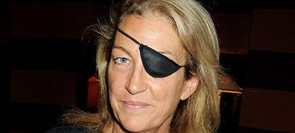 Marie Colvin, who died in Homs, Syria, gave a speech during a service for war wounded at St. Bride's church, London, 11/10/2010. (photo: Dave M Benett/Getty Images)