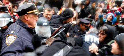 Occupy protesters and police clash outside Zuccotti park in New York, 11/17/11. (photo: Allison Joyce/Getty Images)
