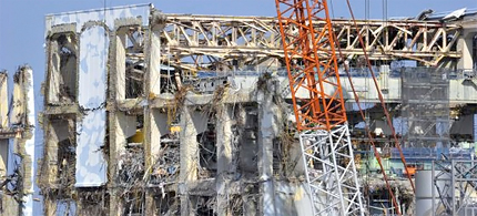 The Fourth reactor at Fukushima. The yellow area is the containment vessel, 02/20/12. (photo: The Asahi Shimbum Digital)