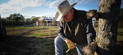 Randy Thompson, a Nebraska landowner, is challenging the assumption by TransCanada that it can seize land for an oil pipeline. (photo: Dave Weaver/NYT)