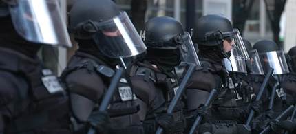 The Chicago Police have ordered a million dollars in new riot gear. (photo: AP)