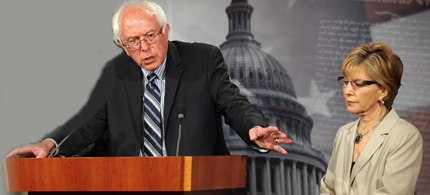 Senators Bernie Sanders and Barbara Boxer have introduced an amendment to the agriculture bill which will give states the right to require labels on food products which are genetically engineered. (photo: Chip Somodevilla/Getty Images)