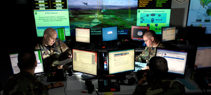 The Pentagon is ramping its efforts to dominate Cyberspace. (photo: US Army)