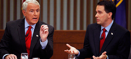 Wisconsin Republican Gov. Scott Walker (right) and Democratic challenger Tom Barrett participate in a televised debate in Milwaukee, 05/31/12. (photo: AP)
