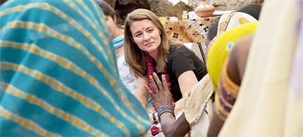 Melinda Gates listens to women participating in a project to promote maternal and newborn health at Kathghara village, Uttar Pradesh, India, 2010. (photo: Gates Foundation)