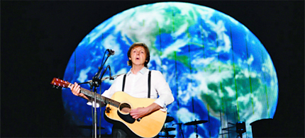 Paul McCartney in concert. (photo: Greenpeace)