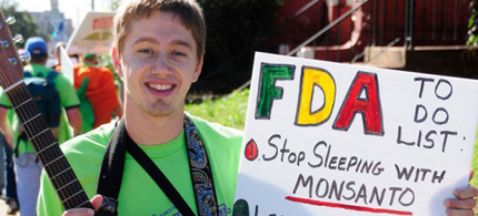 Monsanto lobbyists have had success in getting Congress and the FDA to insulate them from the courts. (photo:  Millions Against Monsanto)