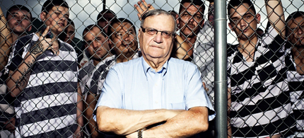 Joe Arpaio with detainees at his Tent City, which has been slapped with a federal lawsuit. (photo: Peter Yang/Rolling Stone)