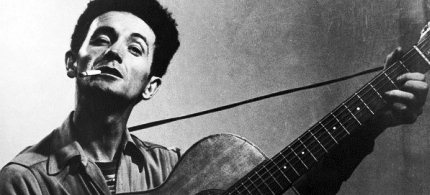 The life of Woody Guthrie, who died in 1967, will be celebrated at the Kennedy Center, but respectability was never his goal. (photo: Hulton Archive/Getty Images)