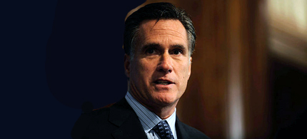 GOP Presidential Candidate Mitt Romney talks to journalists. (photo: Newscom)