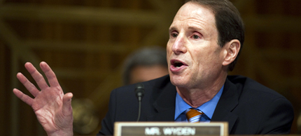 Sen. Ron Wyden attempted to place oversight on the Governments warrantless wiretapping program. (photo: Getty Images)