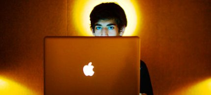 The internet activist Aaron Swartz, seen here in Jan. 2009, has died at the age of 26. (photo: Michael Francis Mcelroy/AP)