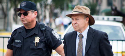 NASA's leading climate scientist James Hansen, director of the Goddard Institute for Space Science, was arrested outside the White House in a public protest over an oil pipeline. (photo: Ben Powless/Tar Sands Action ) ]