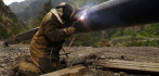 021223-oil-pipeline-worker-052816.jpg